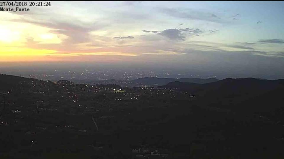 Un tramonto visto dalla webcam del Monte Faete