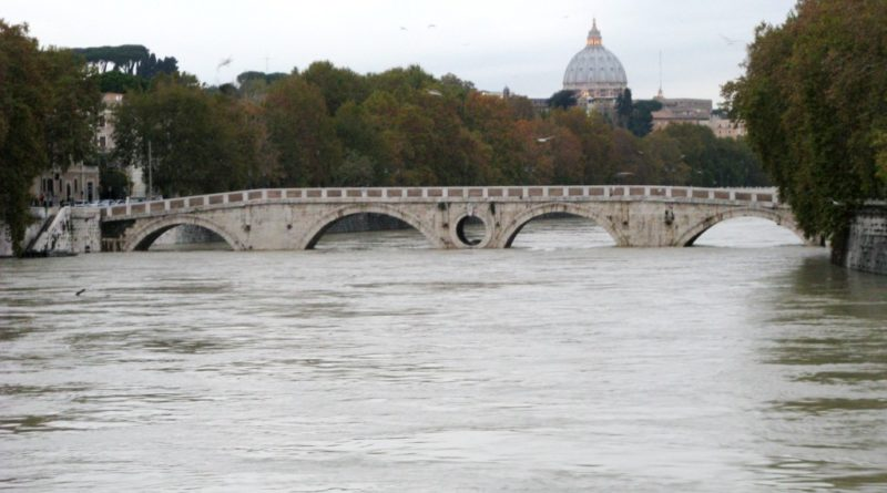 Tevere in piena, all'idrografico di Roma Ripetta sfiorati i 9 metri