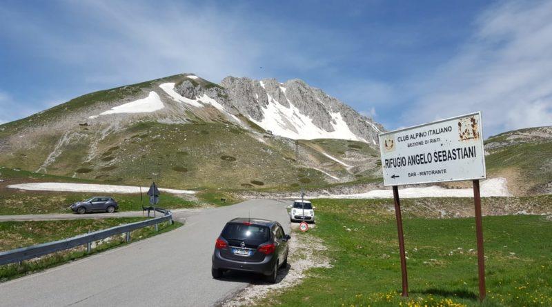 La strada d'accesso al Rifugio Sebastiani