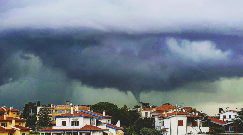 Ultima ora Tornado nelle campagne di Montalto di Castro