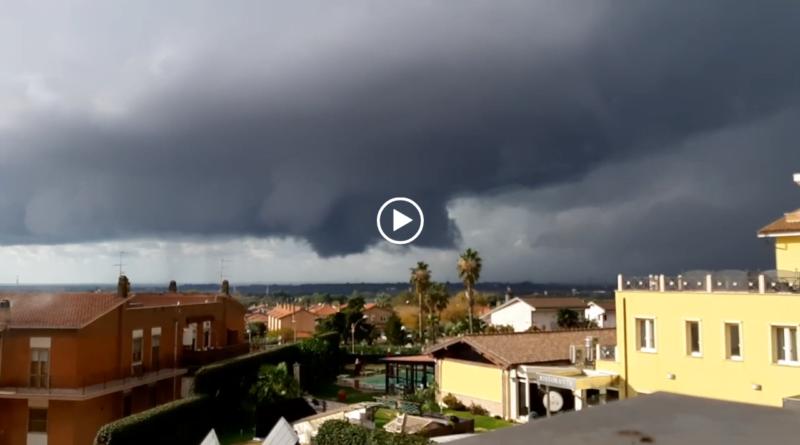 [VIDEO] Supercella su Tarquinia (VT) - spettacolare timelapse